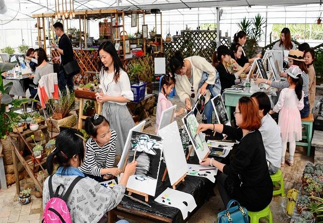 润色生活,人人都是艺术家——锡山区锡北镇妇联举办零基础油画体验活动